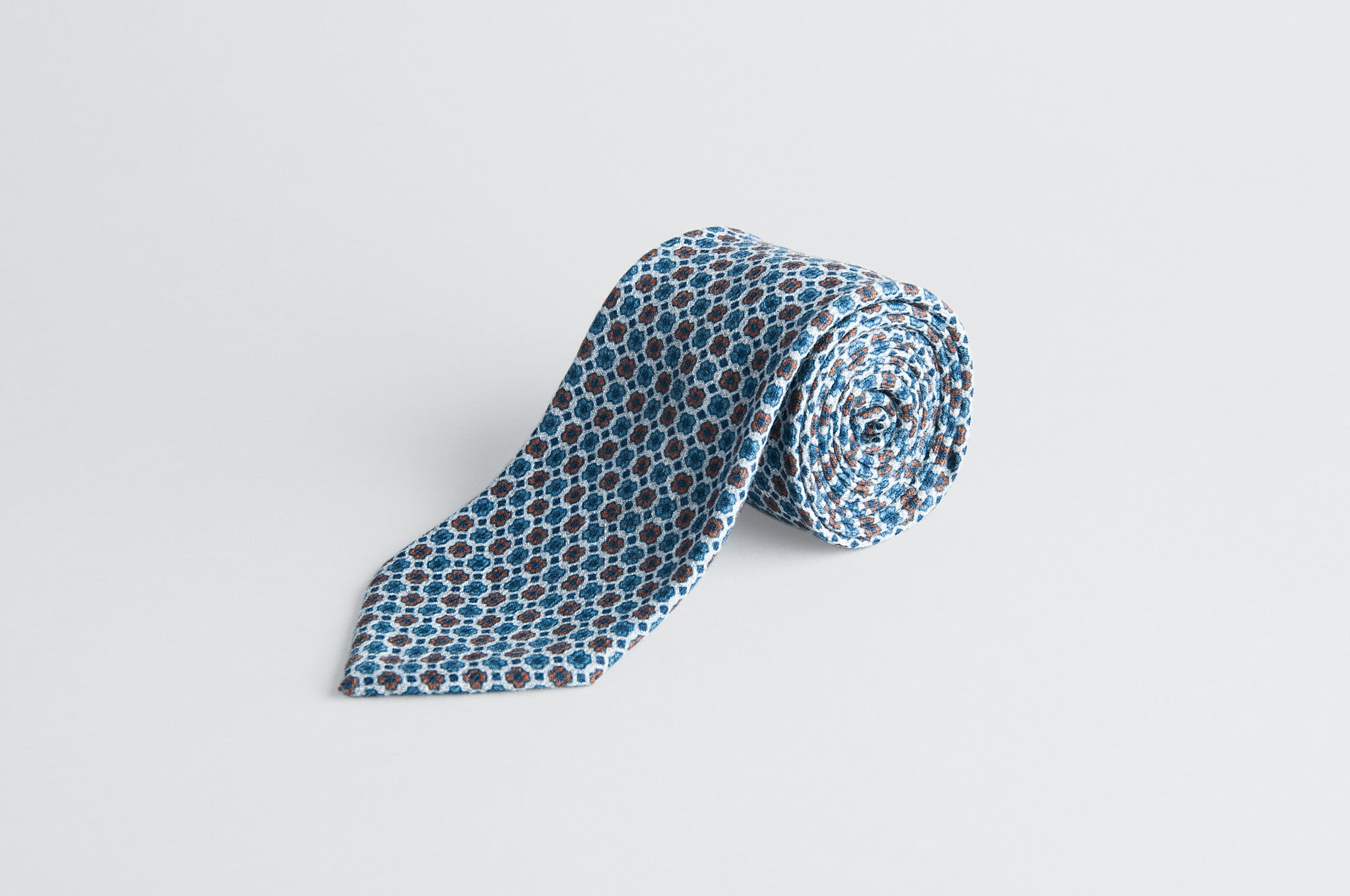 Petronius Knitted Floral Blue Tie
