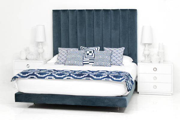 Shoreclub Bed in Mystere Eclipse Velvet