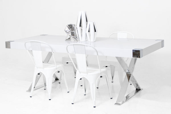 Jet Setter Dining Table