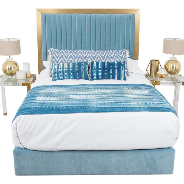 Ibiza Bed in Light Blue Velvet