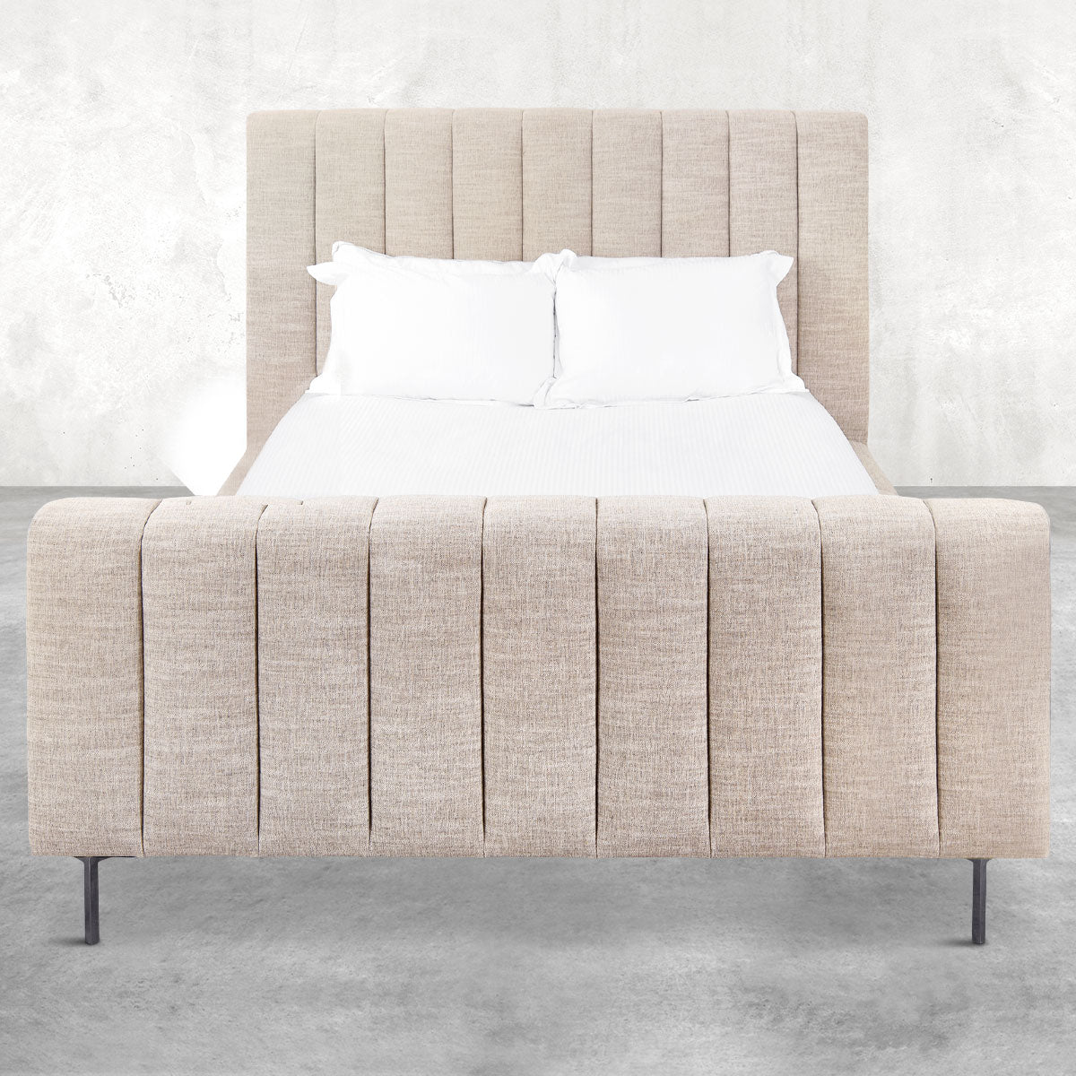 Shoreclub Bed with Footboard in Linen