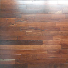 "Load image into Gallery viewer, 2 1/4"" x 3/4"" Prefinished Jarrah Hardwood Flooring"