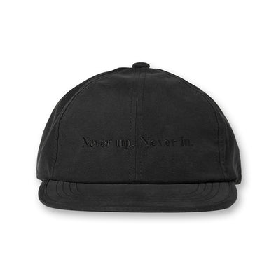 Never up,Never in Water Repellent Golf cap Black×Black