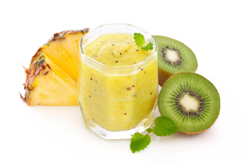 pineapple-kiwi-smoothie