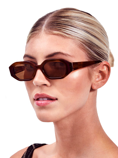 Devon Windsor: Rome Sunglasses (ROMSUN-BRN)