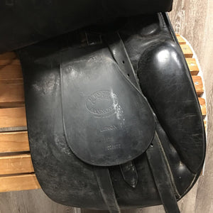 "17.5 XW *Measures 6"" Passier Lenox Dressage Saddle, MDC Stirrup Irons, Flat Stirrup Leathers, 2 Billet Guards, Wool Flocked, Med Front Blocks, Rear Gusset Panels, Flaps: 19""L x 12""W Serial #: 17.5 028916"