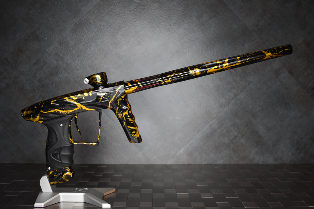 A51 HK LUXE X - Prestige: Black/Gold Splash