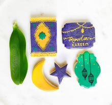 Load image into Gallery viewer, Ramadan cookie set - Ramadan kareen banner, moon and star , lantern and prayer rug