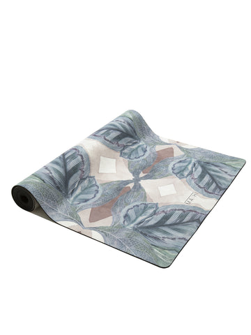 products/mahi_eden-ecofriendly_yoga_mat.2_5849c33d-d3d4-40a7-8ed8-5da12db43974.jpg