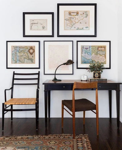 Gallery wall in home