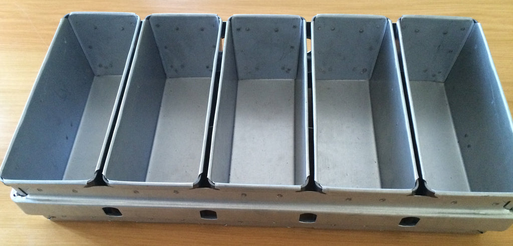 BREAD TRAY ALUSTEEL FIVE PAN (STANDARD) - cater-care