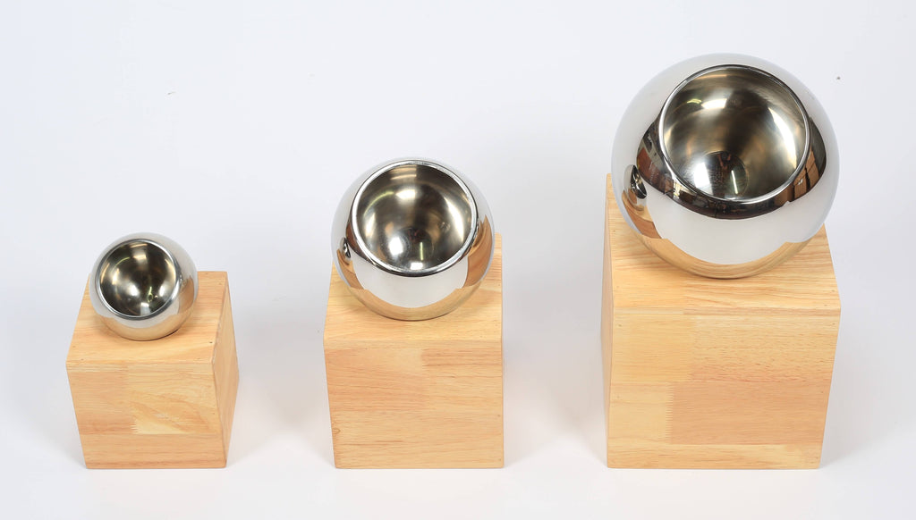 SET OF 3 S/STEEL BOWLS ON WOODEN BASE - cater-care
