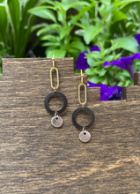Load image into Gallery viewer, Bees Knees Earrings