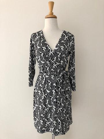 Diane von Furstenberg Julian Two Dress w/ Tags, size 6