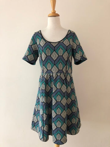 HD in Paris Geo Print Dress, size M
