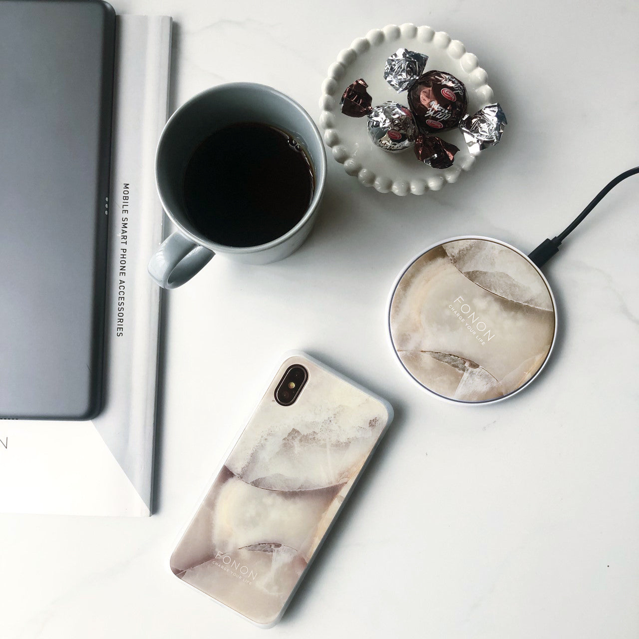 WIRELESS CHARGING BASE - STONE PLANET - White Opal