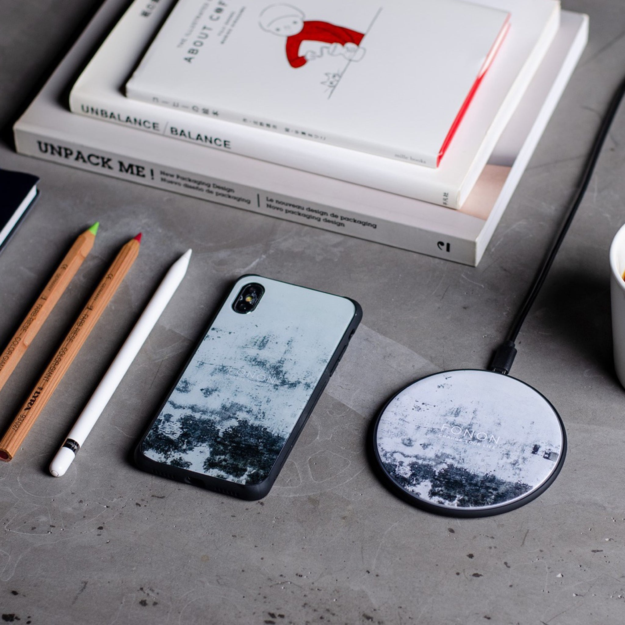DAMPER GLASS iPhone CASE - STONE PLANET - Paint Wall AshWhite