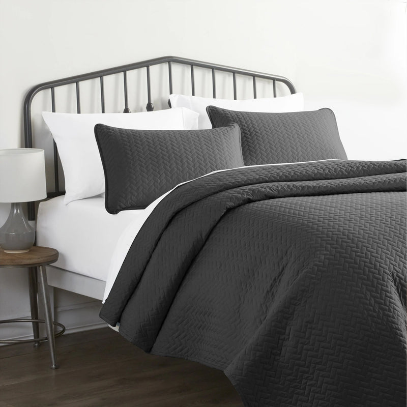 3-Piece Set: Herring Quilted Coverlet