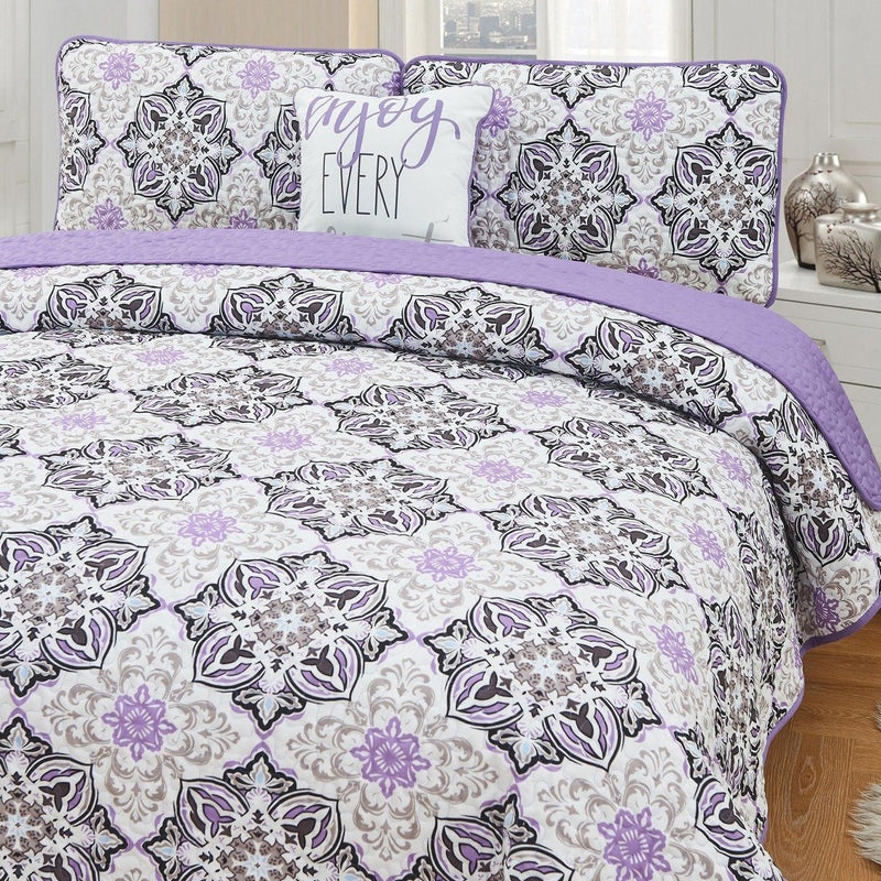 4-Piece Set: Printed Pattern Quilt Set Linen & Bedding King No. 4 - DailySale