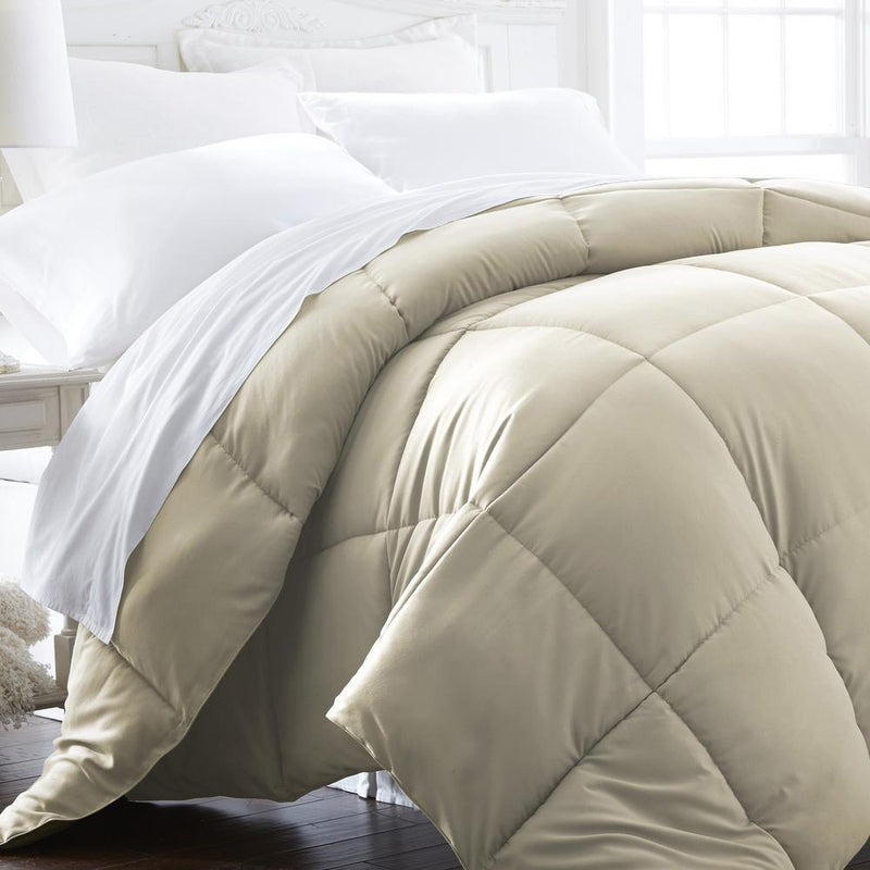 All-Season Down Alternative Hypoallergenic Comforter Bedding King/Cal King Ivory - DailySale