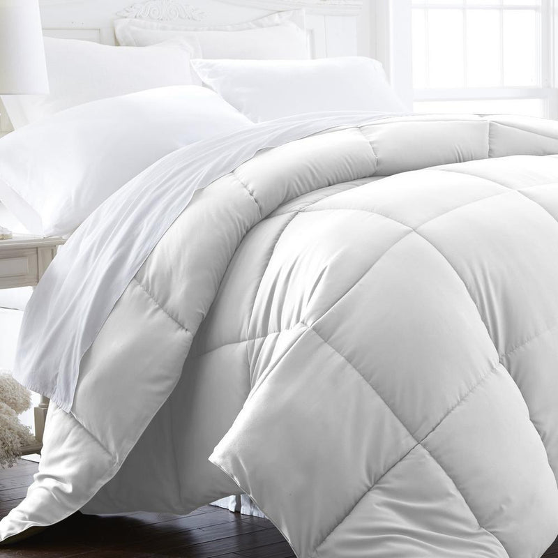 All-Season Down Alternative Hypoallergenic Comforter Bedding King/Cal King White - DailySale