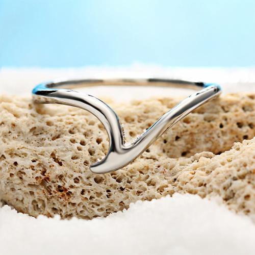 Malibu Beach Curved Wave Abstract Ring Jewelry - DailySale
