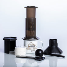 Laden Sie das Bild in den Galerie-Viewer, AeroPress Coffee Maker
