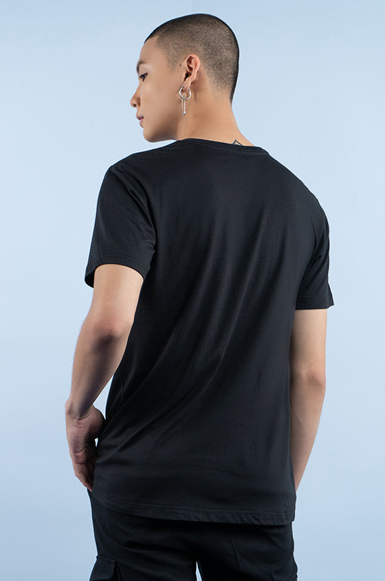 BLACK TRIGE - The Airy V-Neck Tee