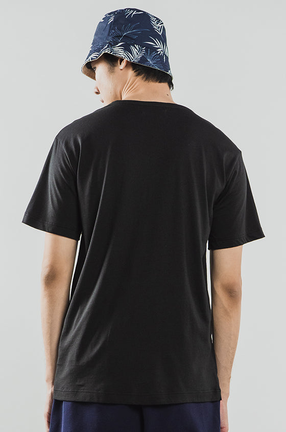Load image into Gallery viewer, BLACK JAMES - The Airy Pocket Tee