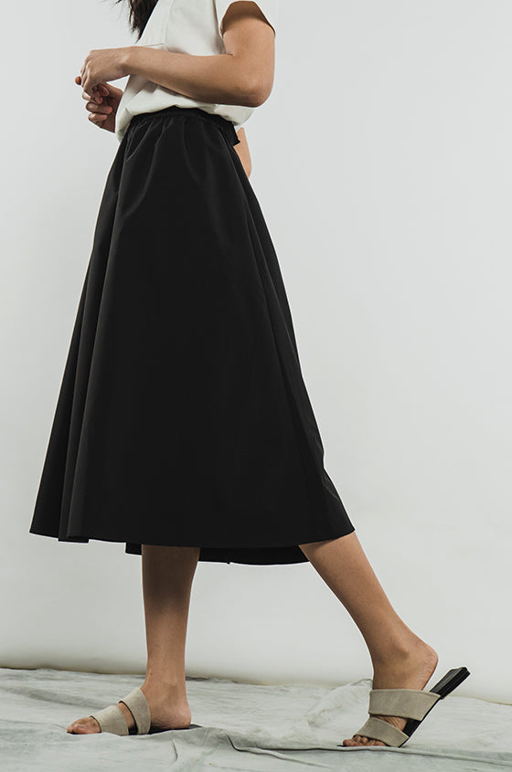 BLACK RUBY - The Midi Skirt