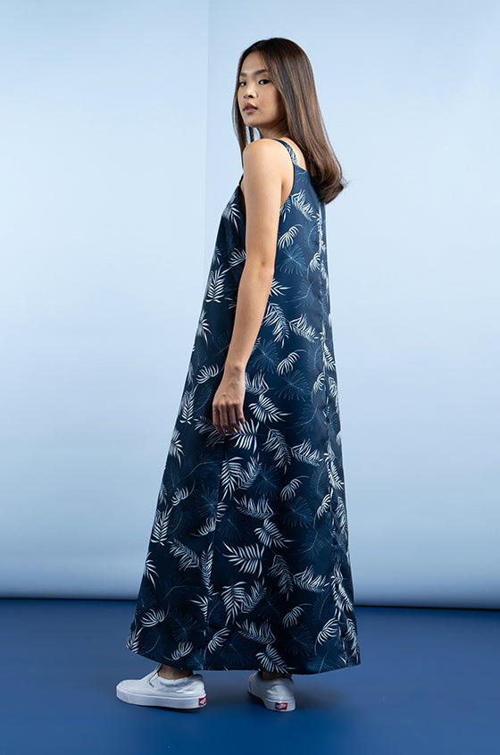 Load image into Gallery viewer, NAVY KIRUNA - The Lyocell Trapeze Dress