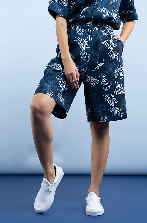 NAVY NANTES - The Lyocell Bermuda Shorts