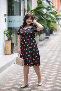 plus size black and red heart print satin midi dress with puff sleeves