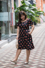 Load image into Gallery viewer, plus size black and red heart print satin midi dress with puff sleeves