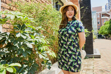 Load image into Gallery viewer, Plus size blue and green heliconia tropical print shift dress