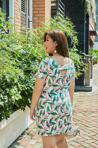 plus size white and pink heliconia tropical print shift dress