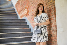 Load image into Gallery viewer, plus size white and black graphic print zip front dress