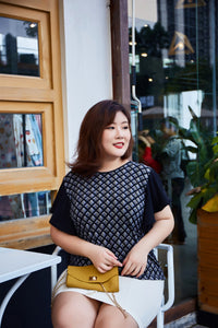 plus size black and white graphic fluttersleeve tee