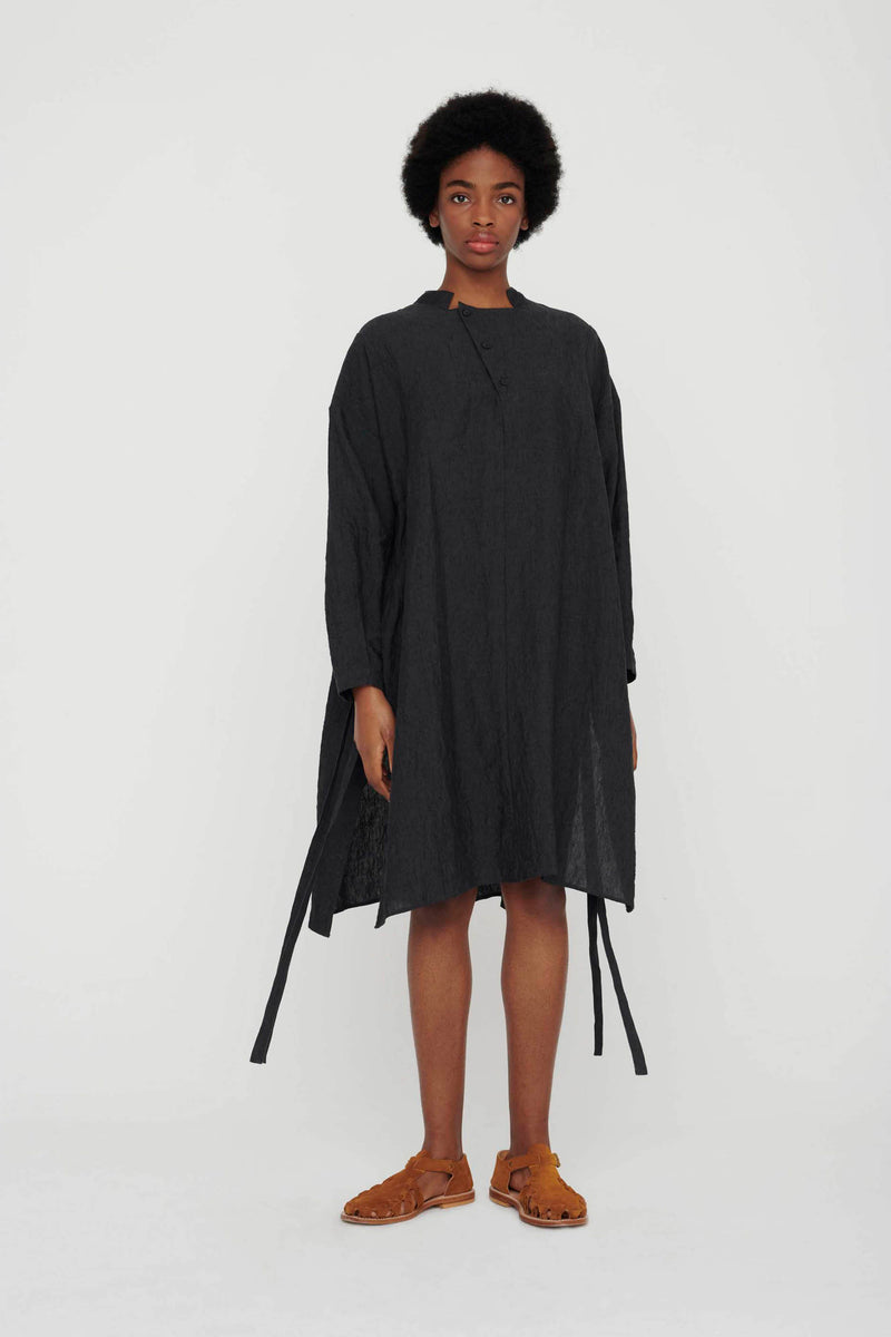 THE ARTIST SMOCK / LAUNDERED LINEN CHARCOAL