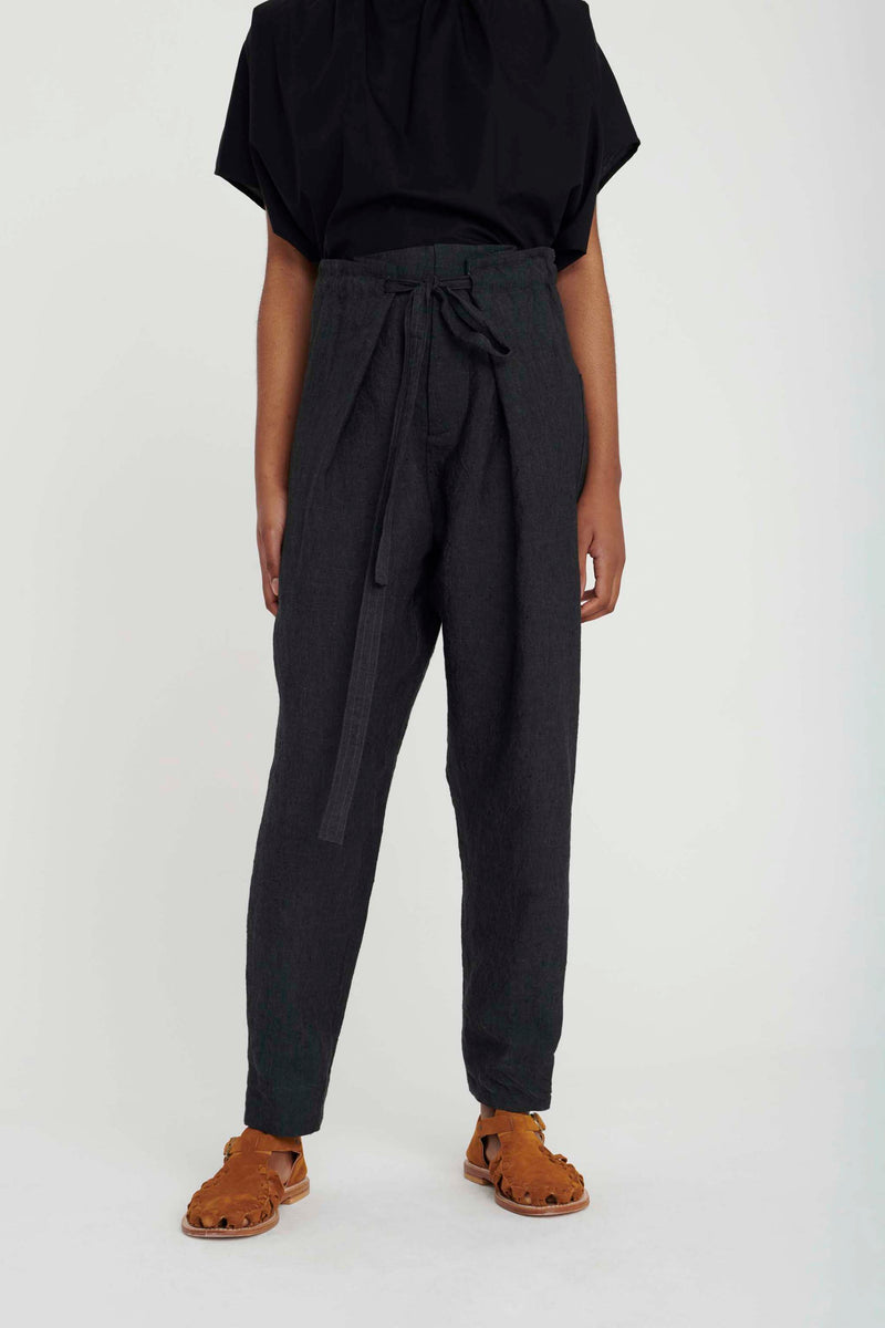 THE STONEMASON TROUSER / LAUNDERED LINEN CHARCOAL