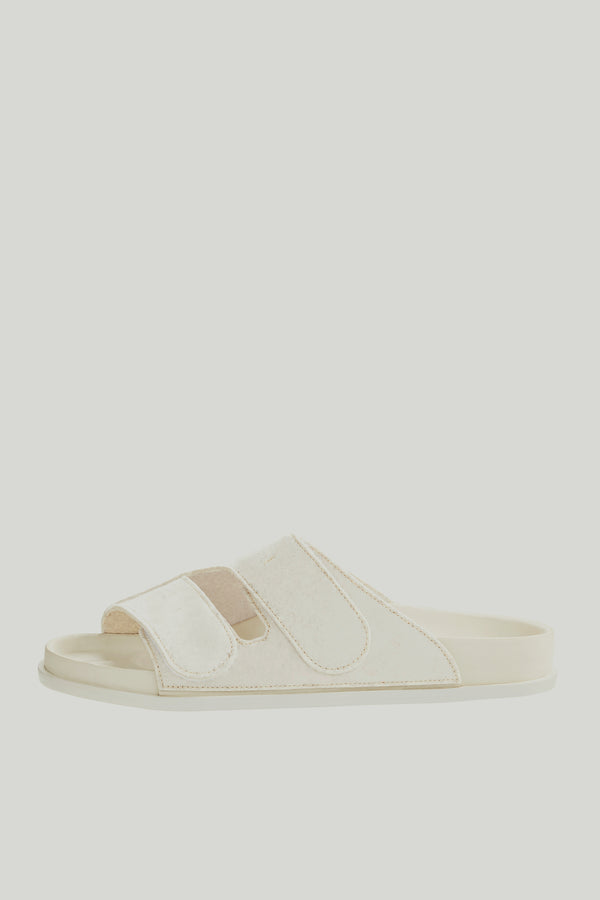 THE FORAGER SANDAL / FELT CHALK