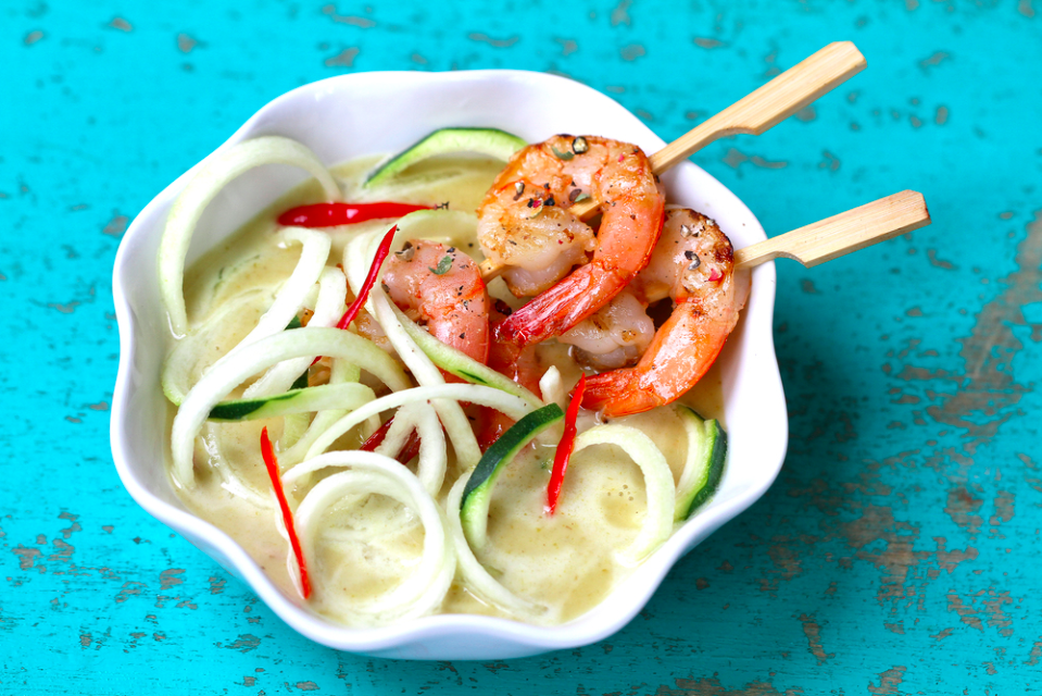 Zoodles with Thai green curry and grilled shrimp recipe - WATCHAREE'S