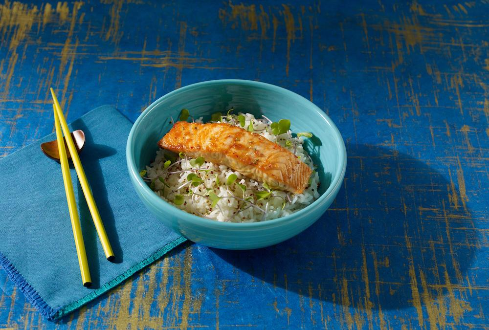 Seared salmon rice bowl recipe with Thai pad sauce - WATCHAREE'S