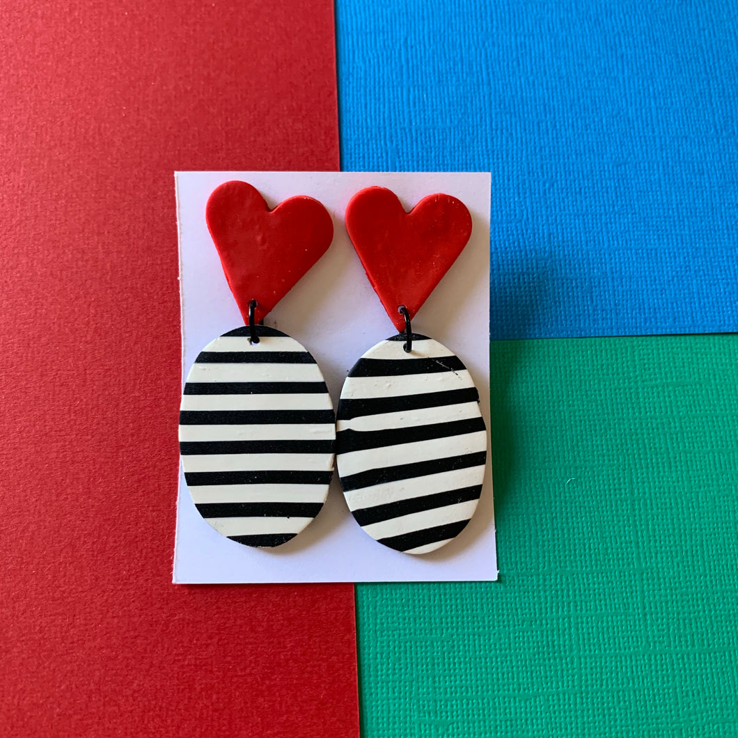 Stripes- Oval Red Hearts