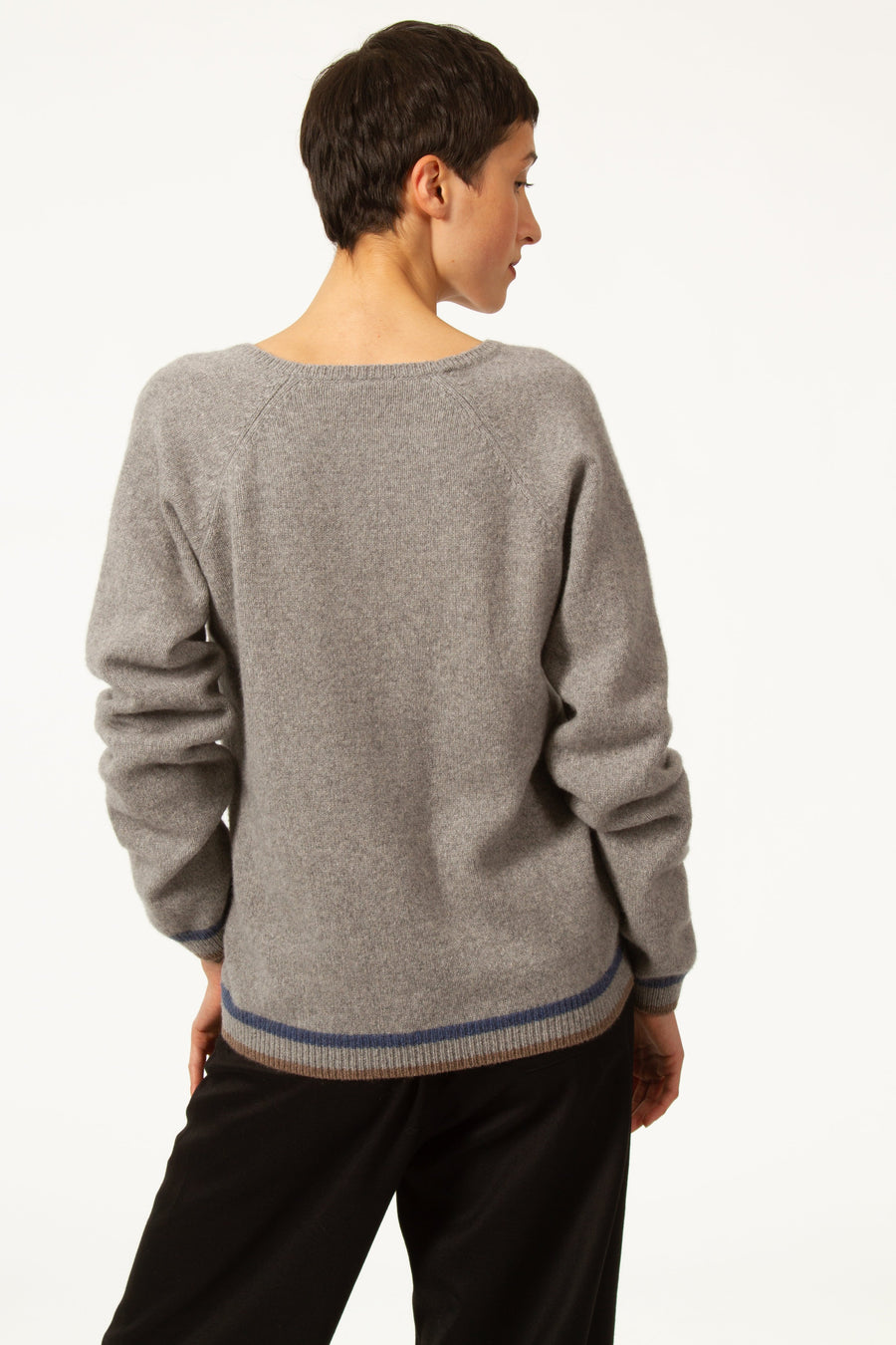 HENRY Grey Sweater