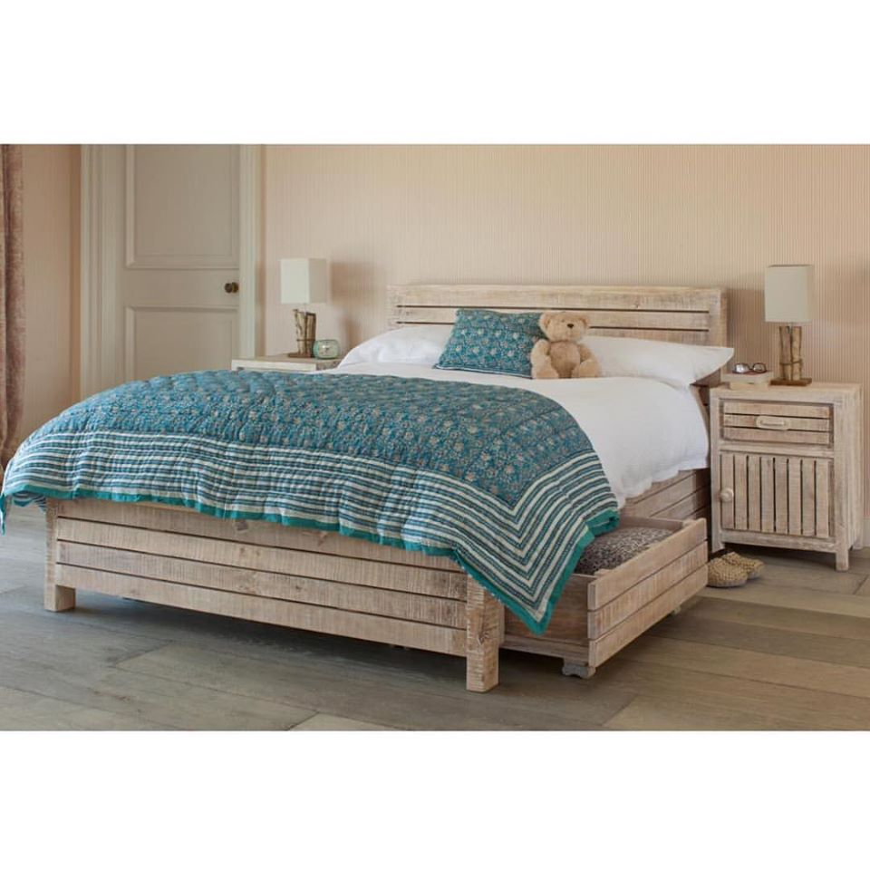 Wooden Bed - Jasmine Collection