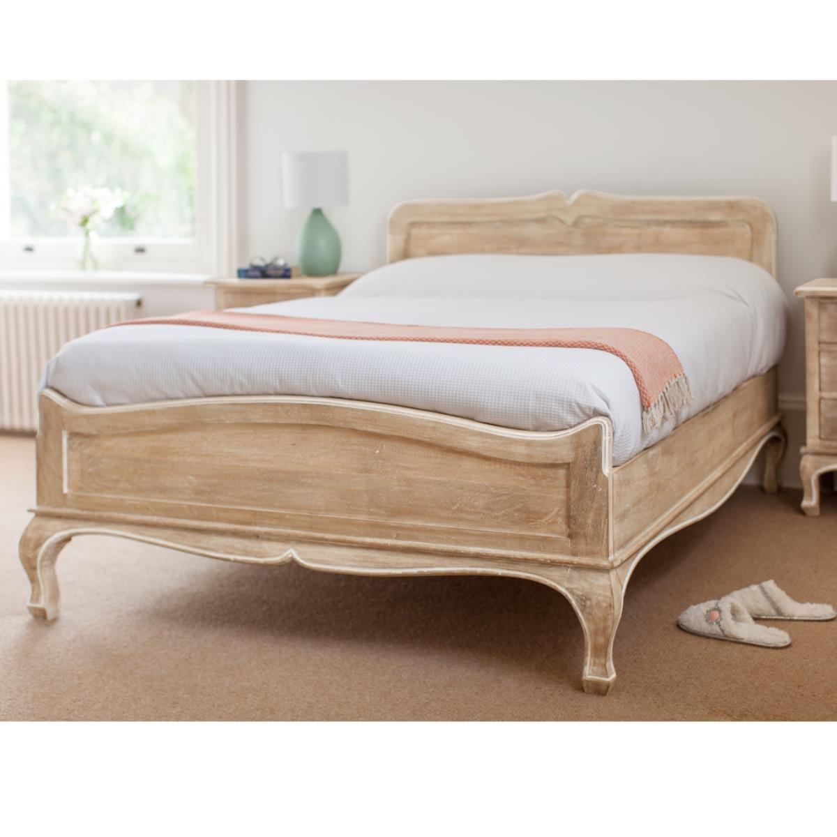 Bed queen king size wooden