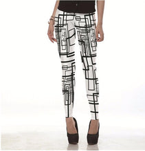 Load image into Gallery viewer, Women's Fashion Black Line Doodles Print Leggings