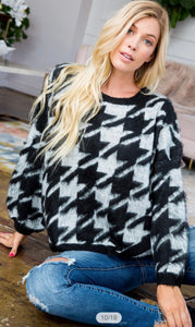 Houndstooth Sweater - ✨SO SOFT✨
