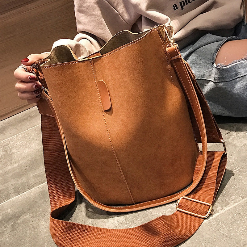 Messenger bag Women Bucket Shoulder Bag large capacity vintage Matte PU Leather lady handbag Luxury Designer bolsos mujer Black